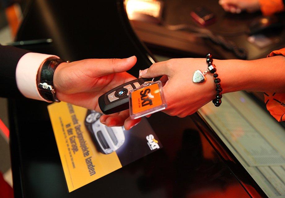 Дополнительные мили за аренду машины в Sixt по всему миру