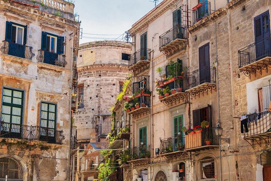 Сицилия или Сардиния.